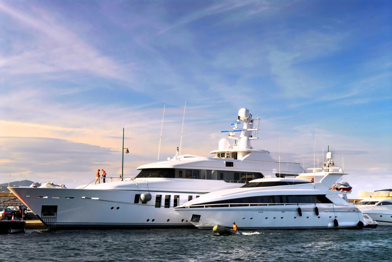162678-luxury-yachts